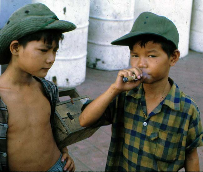 1RNZIR Band Tour Vietnam 1969 - Shoeshine boys