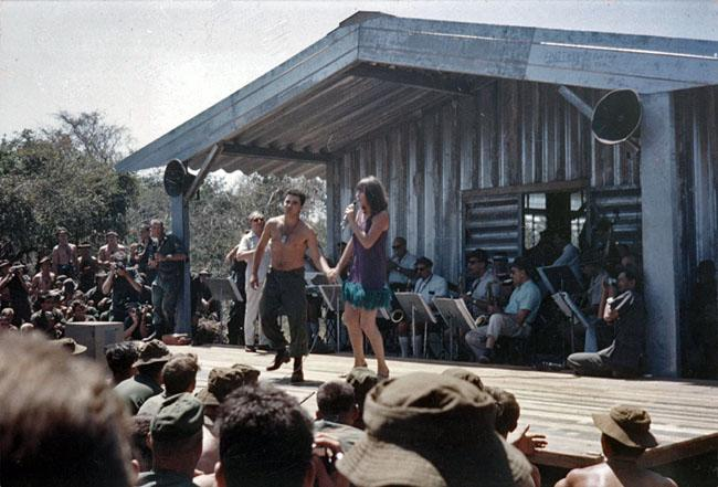 Dinah Lee entertaining troops at Nui Dat, circa 1967