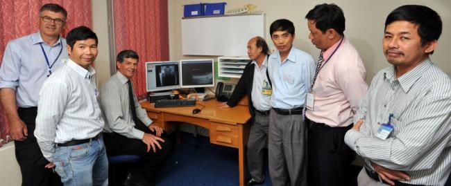 Vietnamese surgeons visiting Dunedin Hospital, March 2013